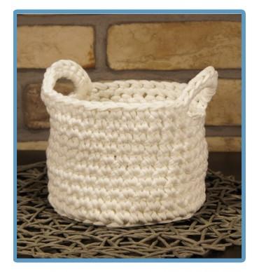 ręcznie robiony koszyk wiola handmade ze sznurka bawełnianego