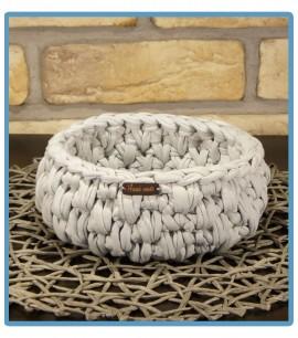 ręcznie robiony koszyk weronika handmade z włóczki zpagetti